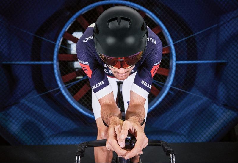 Oakley ロードバイク用ヘルメット