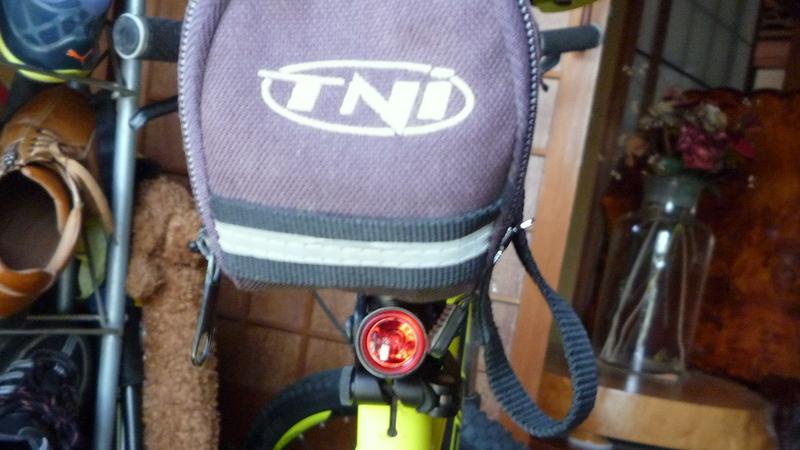 ロードバイク用おススメのリアライト、Lezyne FEMTO DRIVE REAR