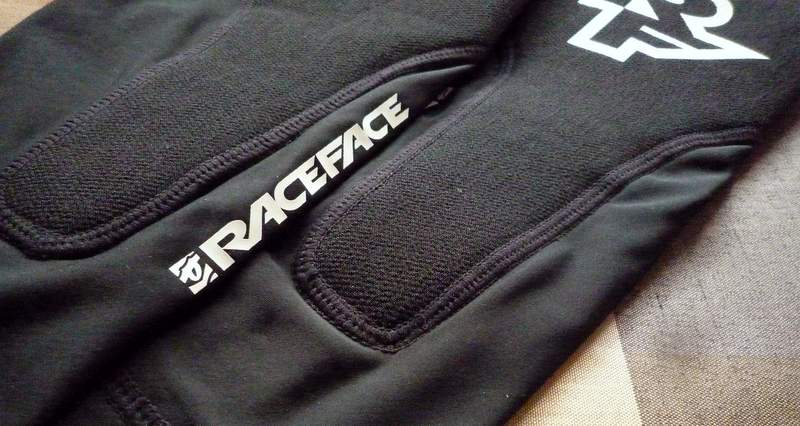 Race Face Charge Sub-Zero レッグプロテクター