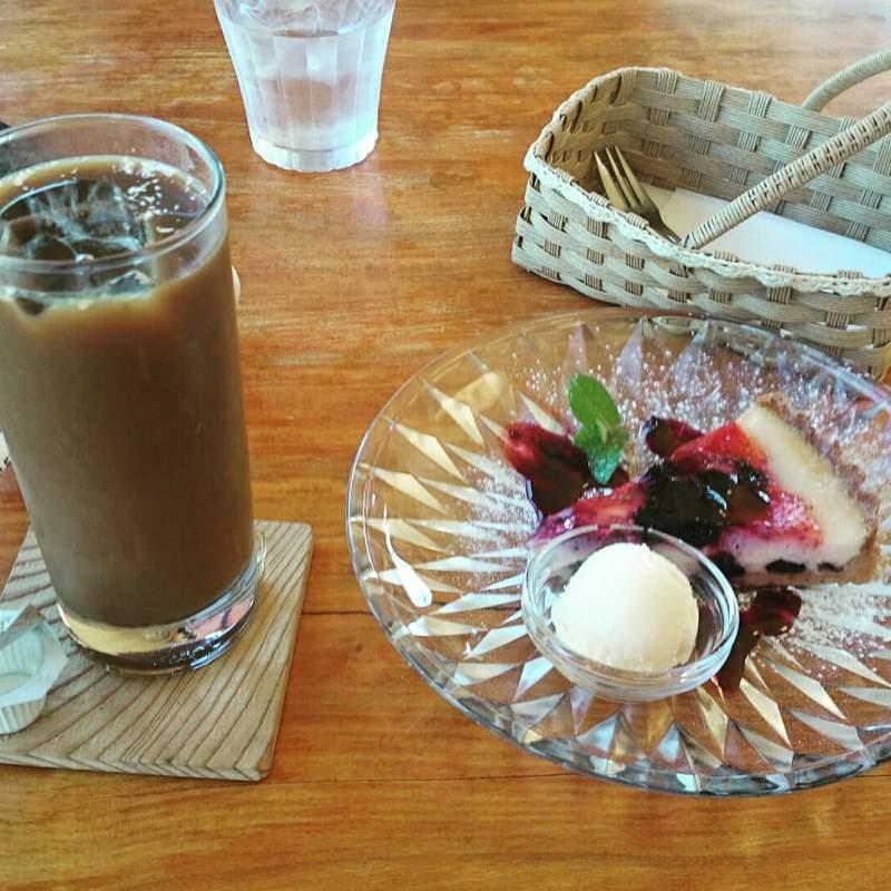 布目ダム湖畔のカフェ、ぶらんぽーと。