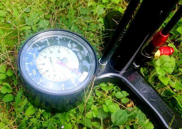 自転車空気入れ(フロアポンプ)Lezyne CLASSIC FLOOR DRIVE BLACK