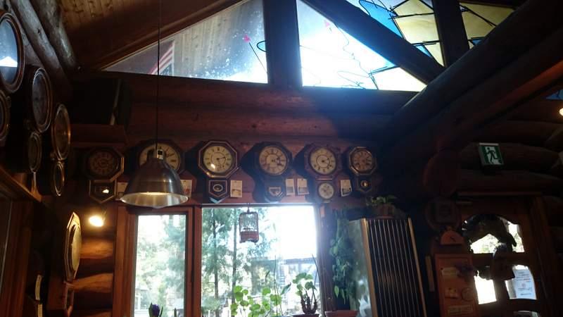 カフェ「おじいさんの古時計」