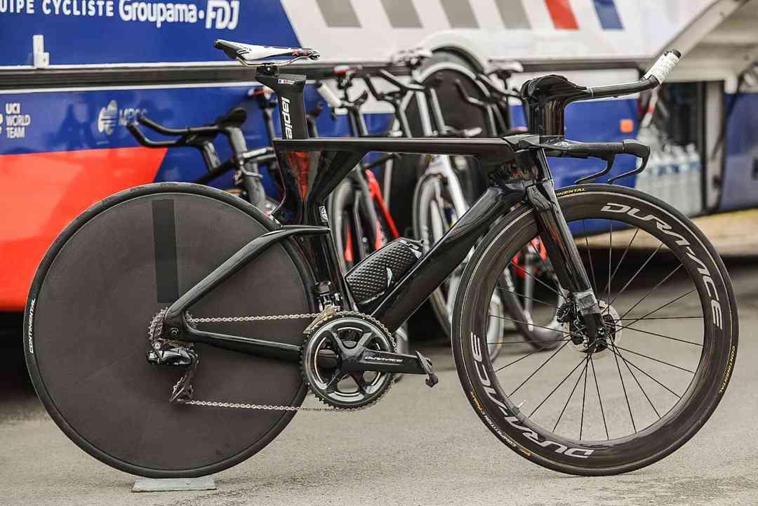 ラピエールの新型タイムトライアルバイクLapierre Aerostorm Disc登場。パリ~ニース第4ステージ。