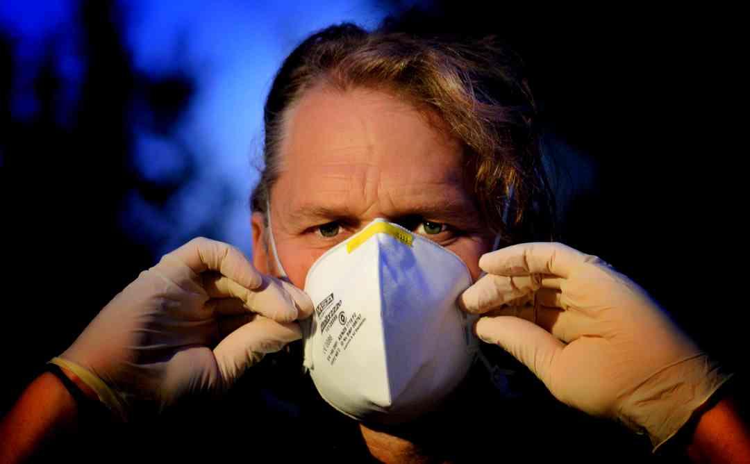 新型コロナウイルスとマスク