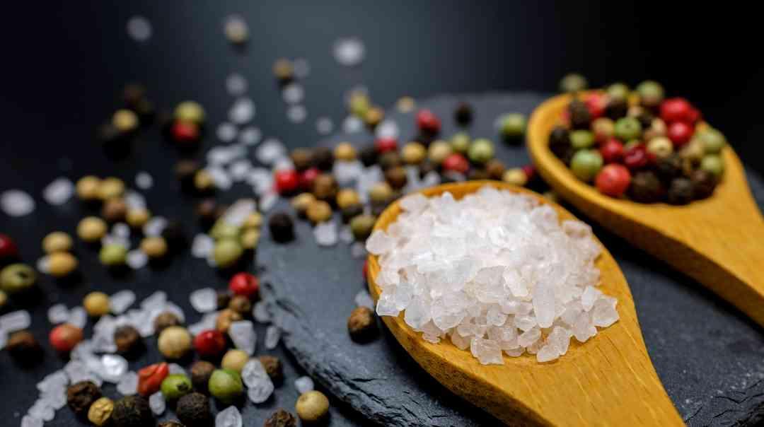 なぜ熱中症予防には塩飴より塩タブレットを選ぶべきなのか?夏のロードバイクと塩分補給。