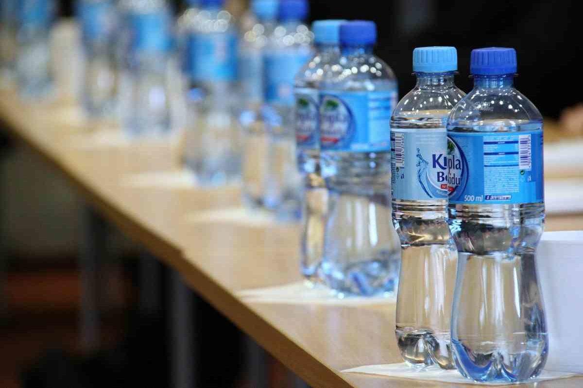 正式にRaphaの白ボトルが販売中止へ