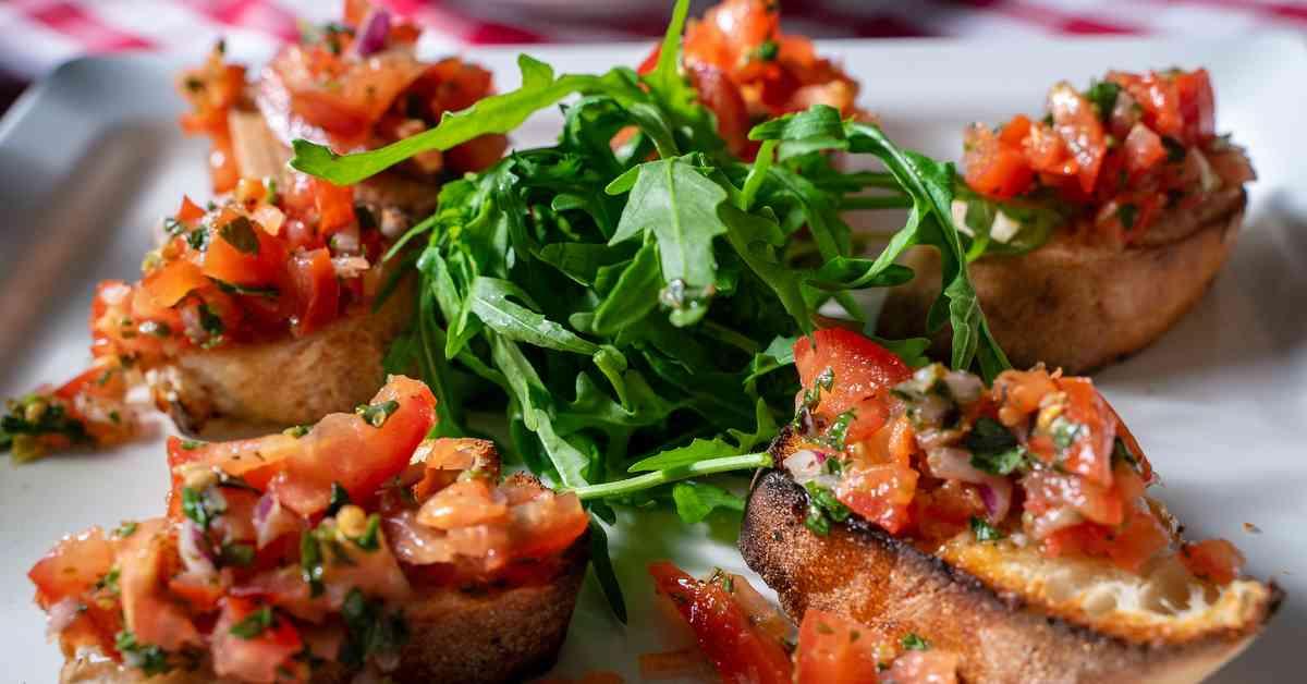 イタリア料理ブルスケッタとジロ・デ・イタリア