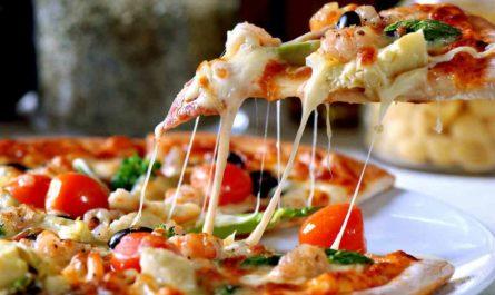 イタリア料理のピザ
