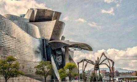 スペインのビルバオのグッゲンハイム美術館
