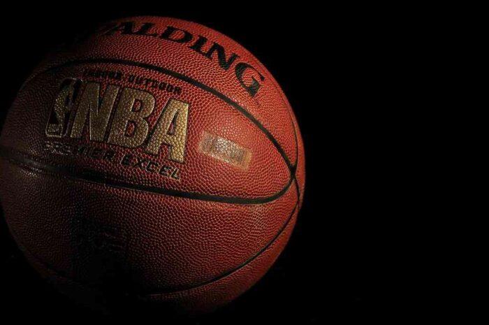RaphaがNBAチームのスパーズ(San Antonio Spurs )とコラボ